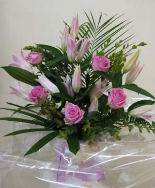 Aquabox with Roses & Lilies