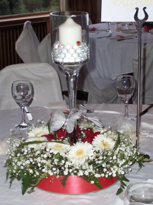 Acklam flowers weddings table centre candle vase - Centre de table vase cylindrique ...